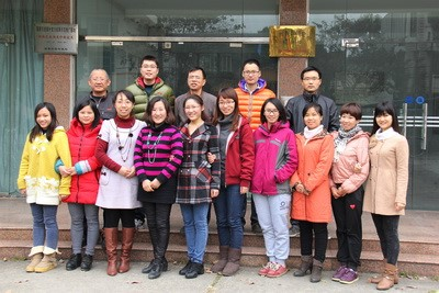 1、团队照片fb.jpg